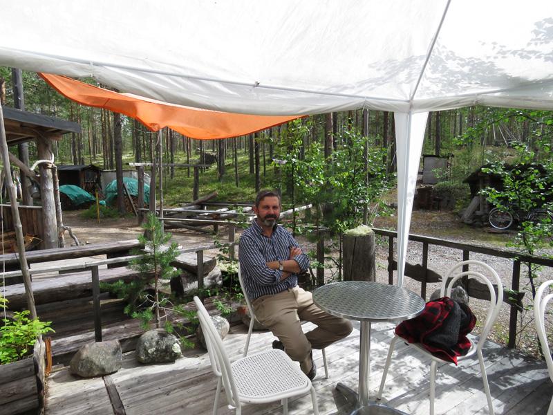 fishing-coffee-shop-on-way-to-idre