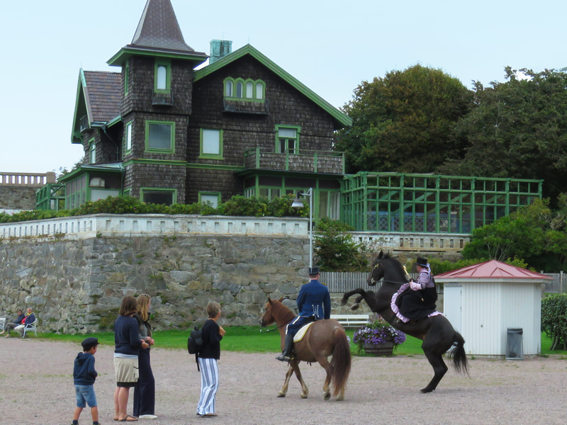 lady-on-horseback