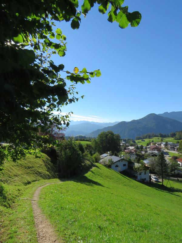 oberau-path-down-to-village-1