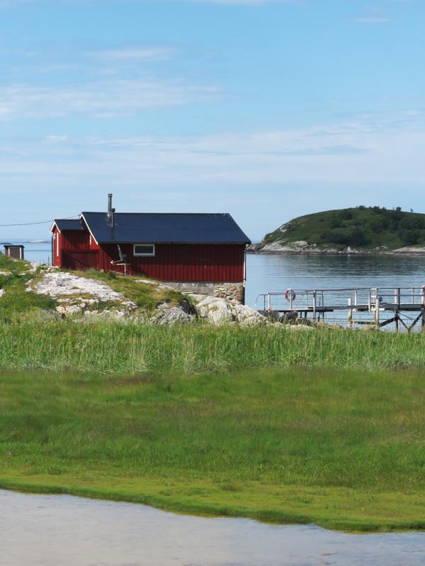 at-harbour-near-sammaroy-3
