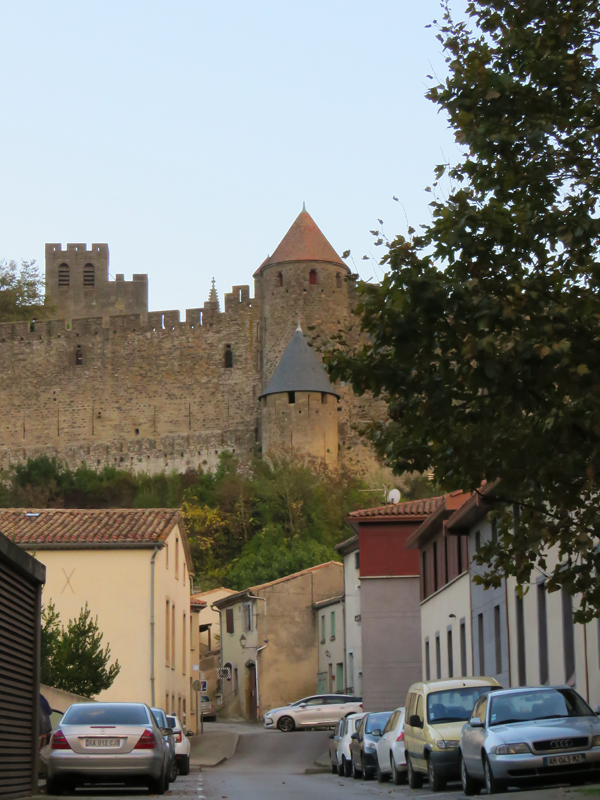 carcassonne-footpath-to-van-1