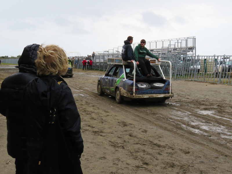 cars-after-bull-run-in-arena-1
