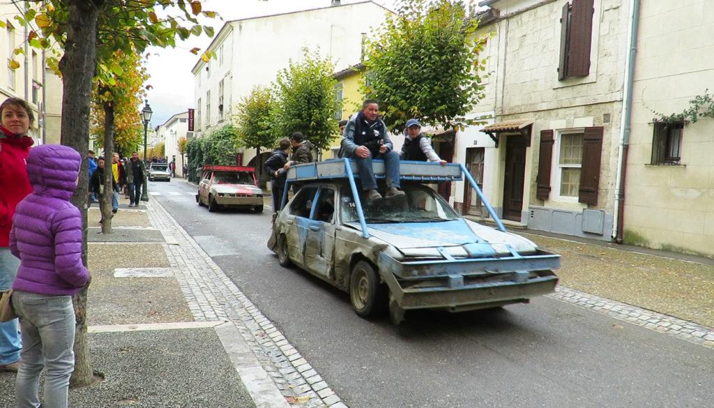 cars-after-bull-run-in-street-1