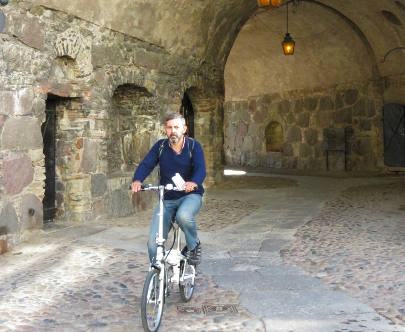 darren-in-tunnel
