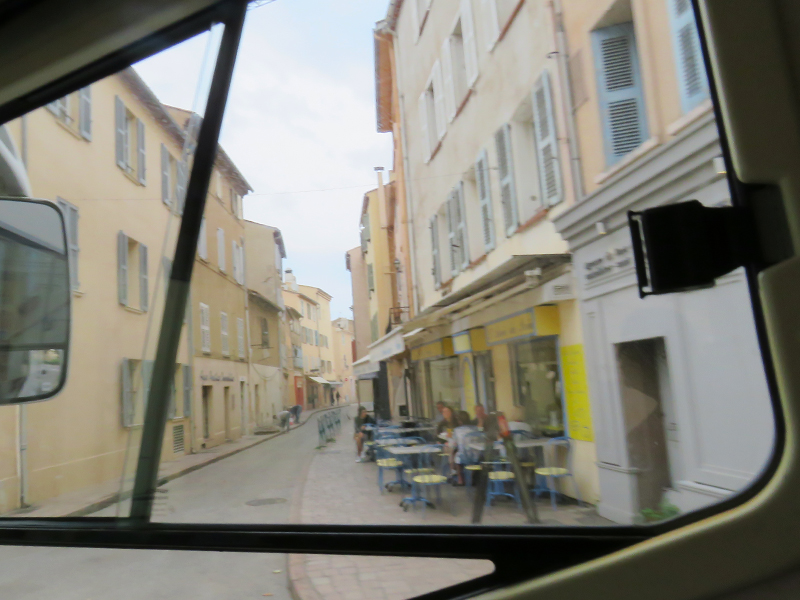 leaving-st-tropez-aire-the-cafe-5