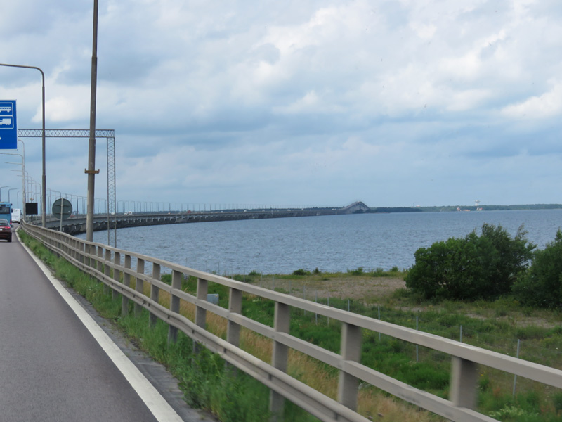 oland-bridge-going-to-mainland