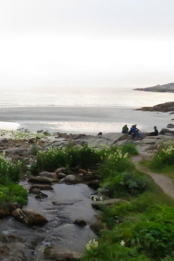 rorvika-beach-near-henningsvaer-10