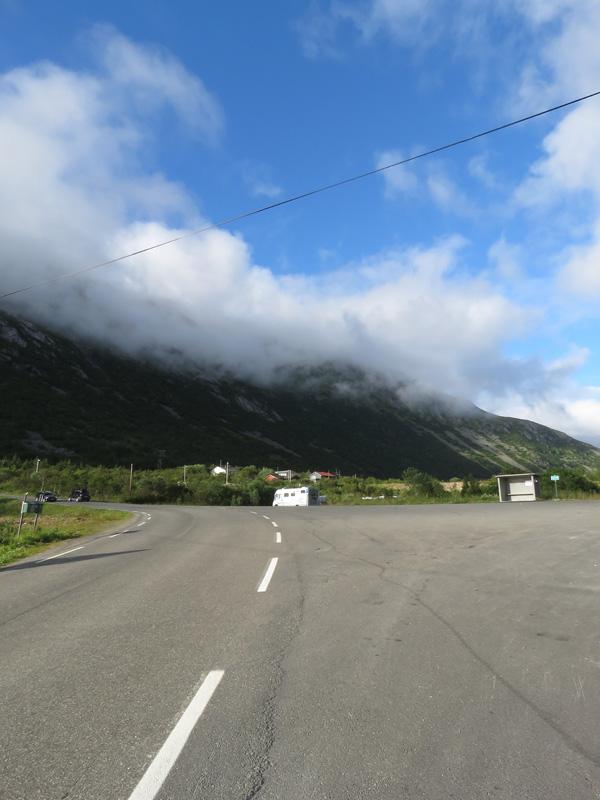 rorvika-beach-near-henningsvaer-20