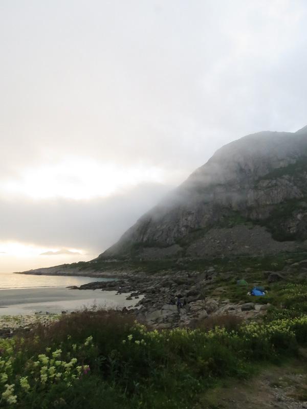 rorvika-beach-near-henningsvaer-3