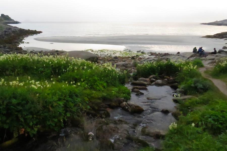 rorvika-beach-near-henningsvaer-9