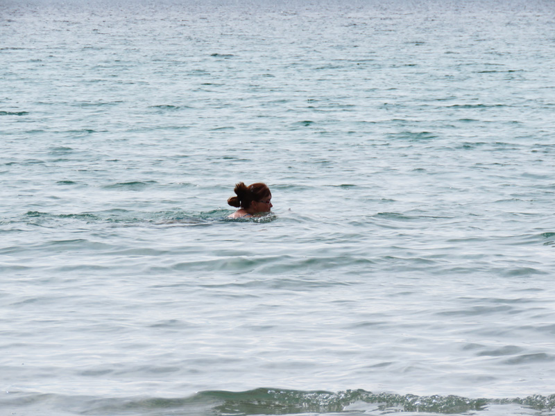 swimming-at-rorvika-beach