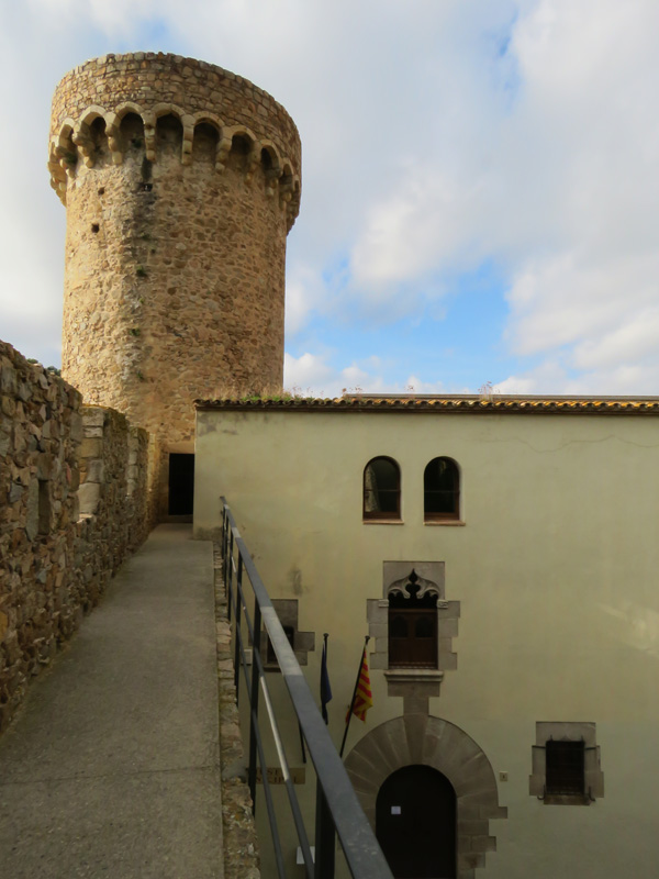 tossa-de-mar-walled-city-5