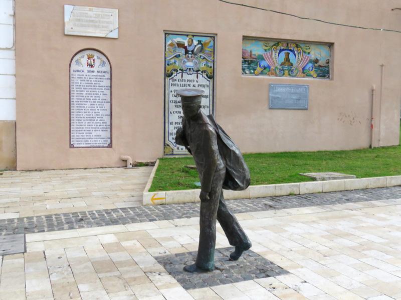 Memorial to conscripted sailors by artist Jorge García Aznar, opposite the sad soldier in Heroes de Cavite