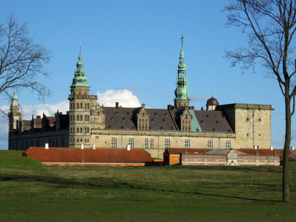 Kronborg Castle, still nowhere to stay overnight so I jumped out of the van and took a quick photo instead.